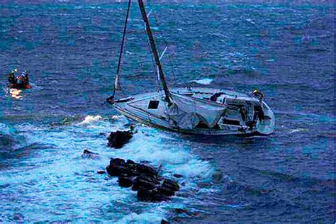 british couples yacht sunk by whale in caribbean telegraph night sinking for yacht practical boat owner