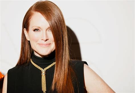 what shoo do celebs over 50 use actress julianne moore 50 plus celebrity
