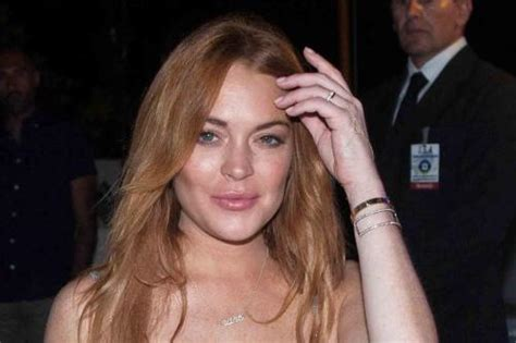 Lindsay Lands Another Fashion Caign by Lindsay Lohan Community Service Scrutinised
