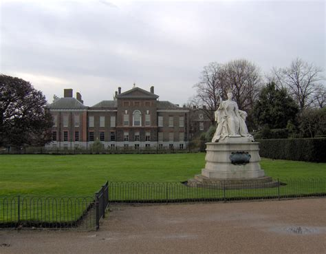 kensington castle file victoria and kensington palace jpg