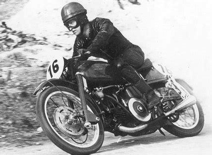 Kleiner Junge Motorradrennen by Hollaus Sonderausstellung Classic Motorline Cc