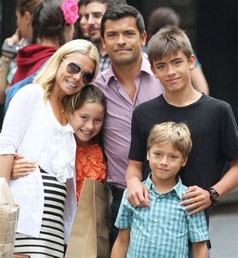 pictures of kelly ripas children kelly ripa celeb baby laundry