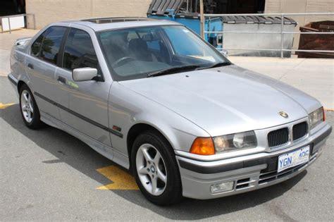 bmw 318i silver 05 1995 bmw 318i e36 sedan silver 1 8l allbids auctions