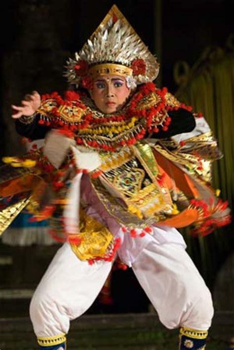 Pakean Tari Baris Tari Bali baris tari baris the traditional warrior