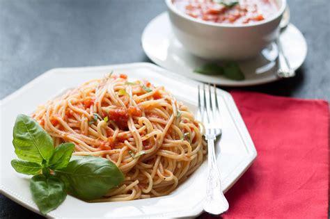 Easy Pasta Sauce quick amp easy tomato basil pasta sauce erren s kitchen