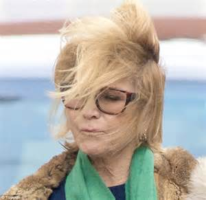 how does felecity kendal style her hair felicity kendal