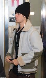 justin bieber s manager arrested for quot refusing to tweet justin bieber s ex chantel jeffries stuns at nocturnal