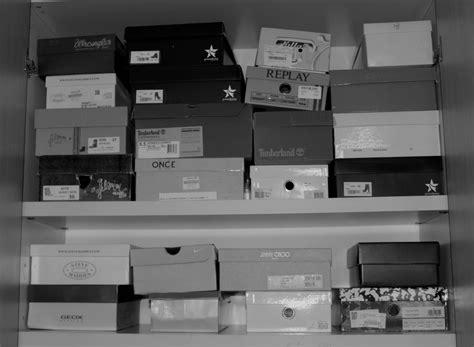 cambio di stagione armadio come organizzare l armadio delle scarpe per il cambio di