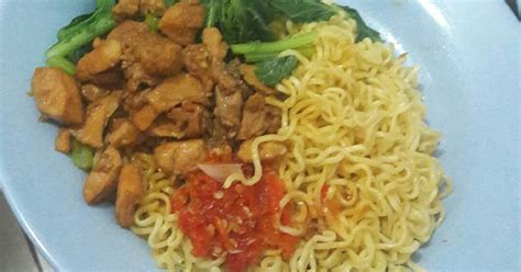 resep mie ayam indomie enak  sederhana cookpad