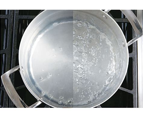 what s the difference between a simmer and a boil finecooking