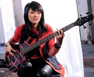 Kaos Skid Row Za193 Kaos Musik Band Rock Kaos Gildan Softstyle gitaris grosir kaos distro original bandung