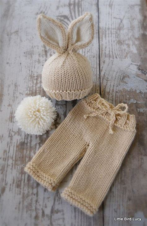 baby bunny hat knitting pattern 25 best ideas about newborn knit hat on