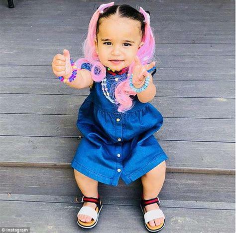 rob kardashian u0027s stunning ex blac chyna shares photo of with pink
