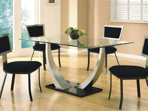 pictures of centerpieces for dining room tables glass top