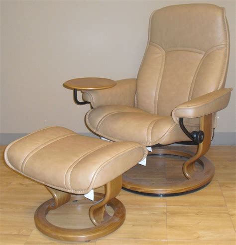 leather recliner and ottoman ekornes stressless governor and senator recliner chair