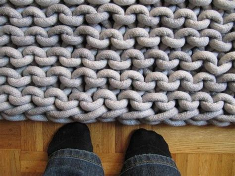 17 best ideas about knit rug on knitted rug