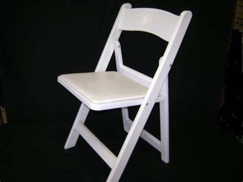 White Resin Chair by White Folding Resin Chair With Padded Seat