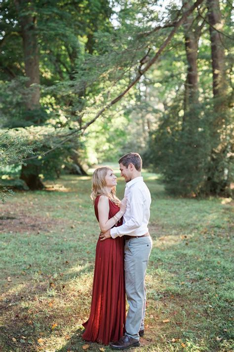 backyard photography ideas engagement photo shoot ideas weddings romantique