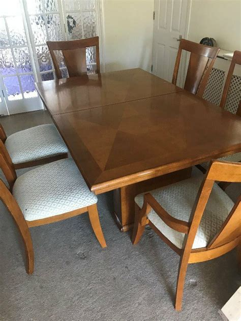 large extendable maple wood dining room table
