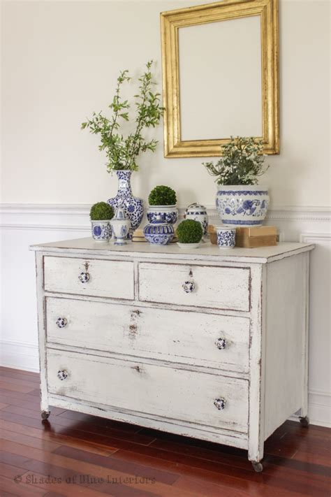 White Dresser With Pink Knobs by Pink Floral Dresser White Chippy Dresser With