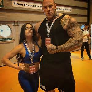 Martyn ford is a 6 8 quot 320lb nightmare of a man flex offense