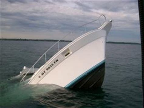 boat sinking lake michigan fishing boat sinks lake ontario the hull truth boating