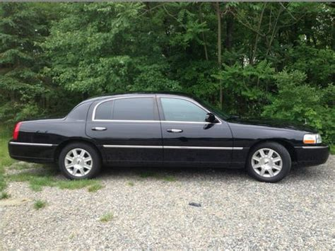 Car L by Sell Used 2011 Lincoln Town Car Ls Executive L Livery