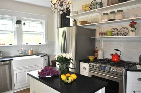 Galley Kitchen Design Ideas by Are Quot Closed Kitchens Quot Making A Comeback Hooked On Houses