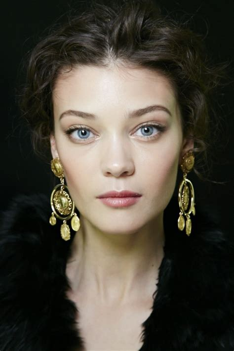 catwalk beauty runway beauty gilded eyes and soft lips at dolce