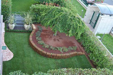 con giardino prato foto realizzazione giardino residenziale con prato