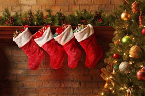 why do we hang ornaments on a christmas tree 10 remarkable origins of common traditions listverse