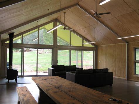 de atelier plywood ceiling  walls steel portal frame