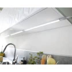 eclairage sous meuble haut cuisine leroy merlin
