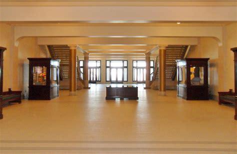1 Sth Floor by File Utah State Capitol 1st Floor Jpg Wikimedia Commons