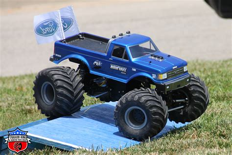 bigfoot rc monster truck bigfoot 4 rhodes outlaw retro 171 trigger king r c