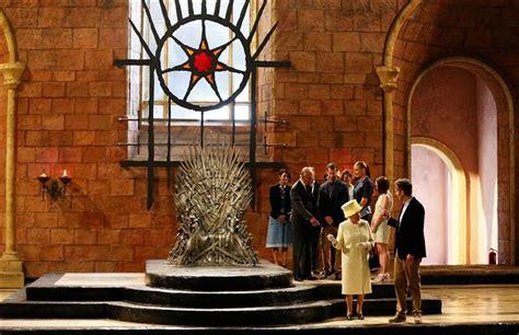 elizabeth visits of thrones set declines