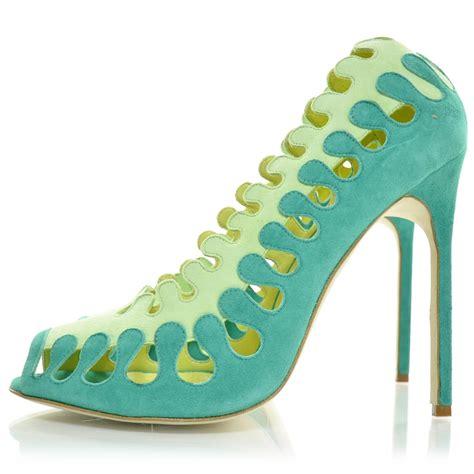 Sepatu M4nolo Blahnik Green Emerald manolo blahnik suede coliflor pumps 40 emerald lime