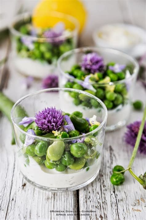 flower food recipe 23 edible flower recipes that are almost too pretty to eat