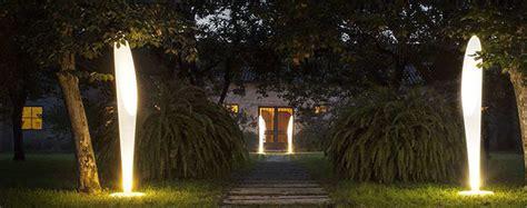 illuminazione per piante come illuminare le piante in giardino