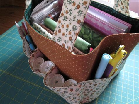 pattern for travel tote bag sewing project travel tote bag free pdf pattern from