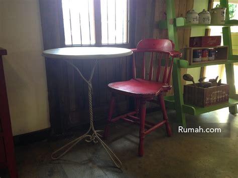 Kursi Besi Bundar memilih kursi yang tepat di teras rumah minimalis rumah