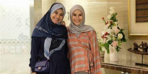 Zaskia Mecca Kayana Tunik adu gaya duo bumil shireen sungkar zaskia mecca pilih