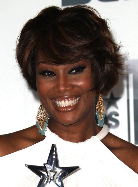 yolanda adams wigs 24 best yolanda adams images on pinterest gospel music