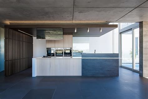 contemporary kitchen design 2014 contemporary kitchen in sydney blends cutting edge style