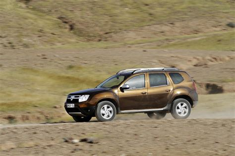 renault duster 2013 dacia duster 2010 2011 2012 2013 autoevolution