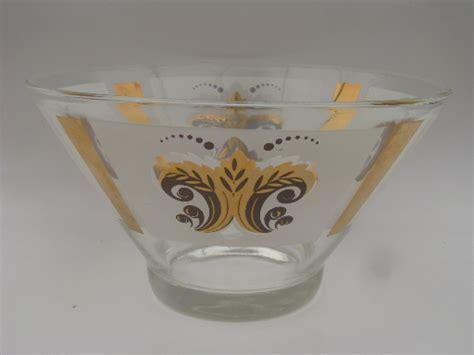 Retro vintage 60s glass chip and dip set, french fleur de