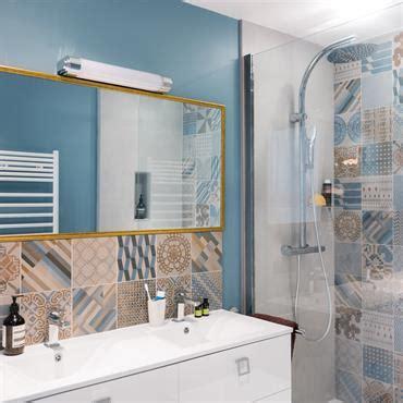 salle de bain moderne rustique