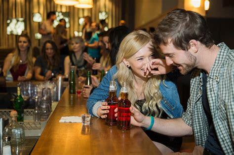 top ten drinks at a bar drinks at a bar first date ideas askmen