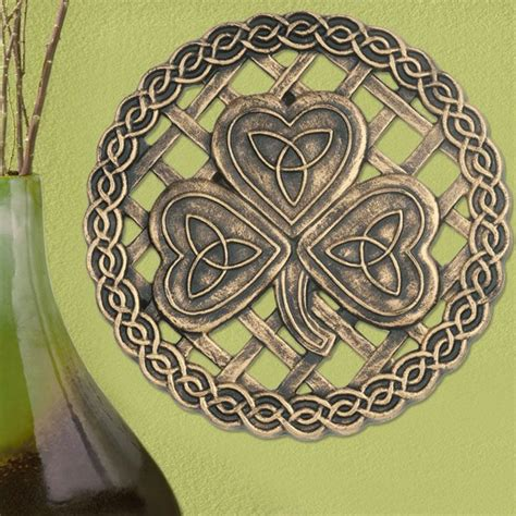 Stepping Stones Detox by 25 Best Ideas About Celtic Shamrock On Celtic