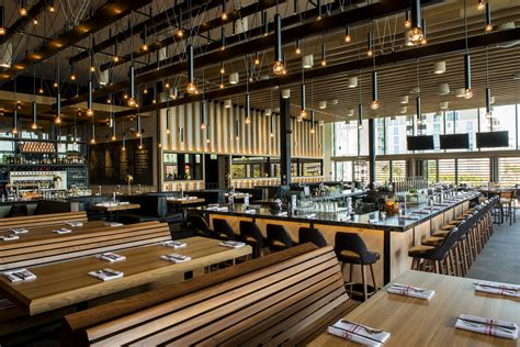 Earls Kitchen And Bar Denver by Canadian Based Earls Kitchen Bar To Celebrate Grand